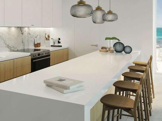 Küche und Meer - Blick aus Dubai Apartment La Vie