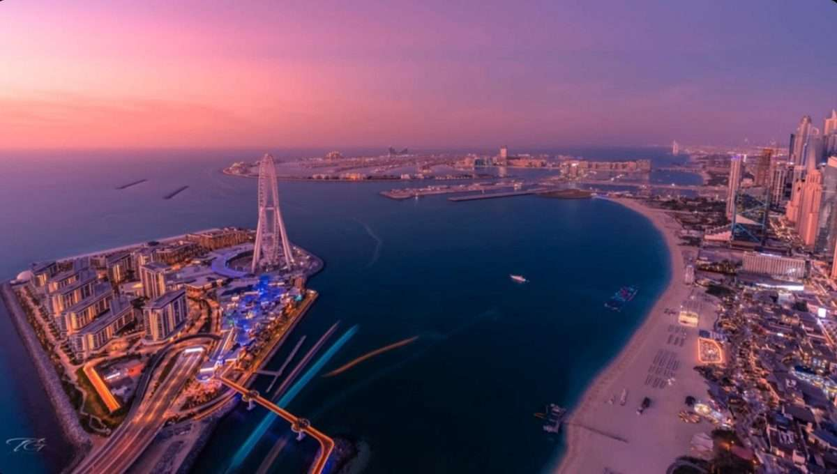 Blick auf Palm Jumeirah und Ain Dubai