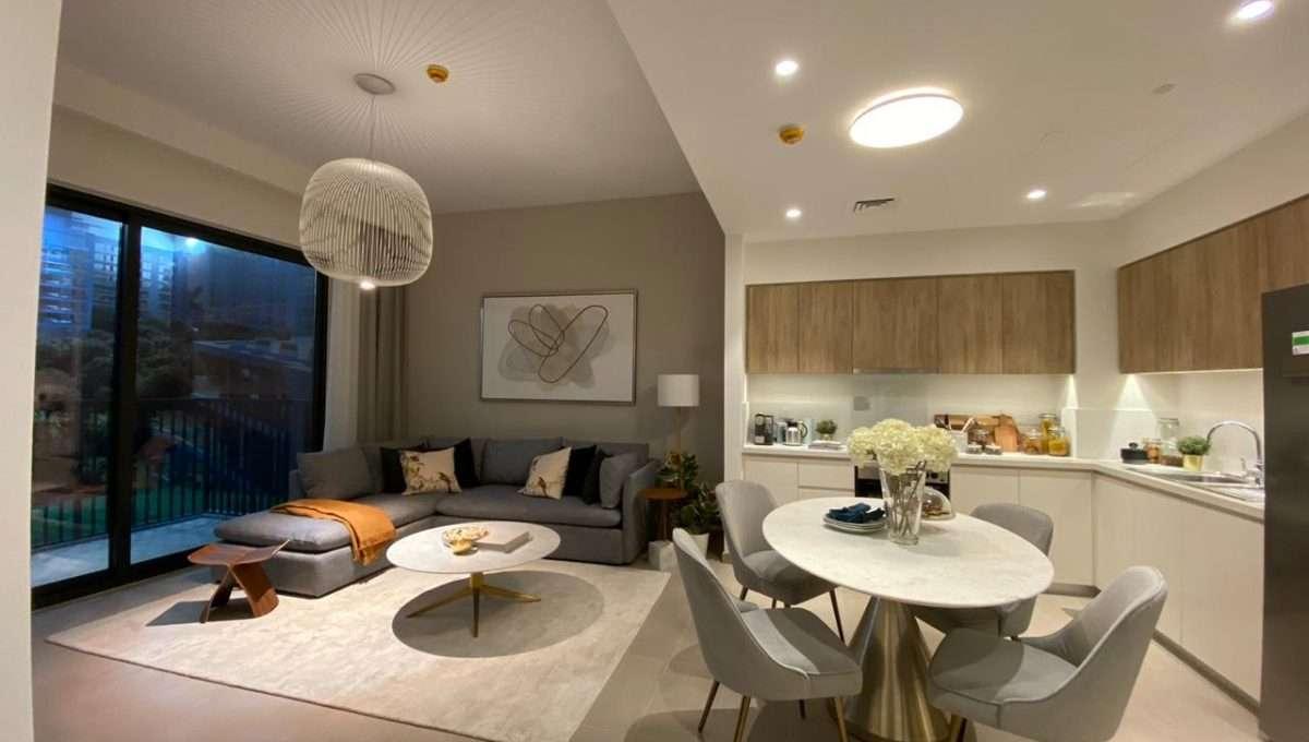 Wohn und Essbereich in Dubai Hills Apartment
